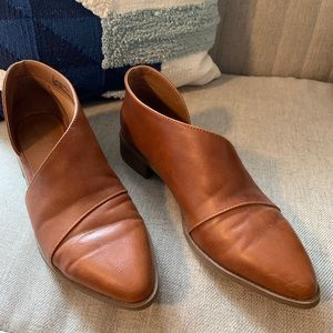 Brown Leather Cut-out Flats